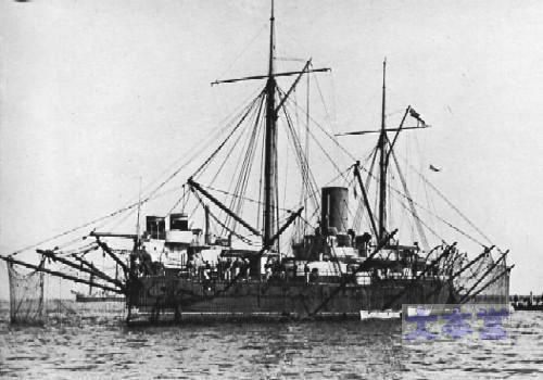 装甲艦ホットスパーの水雷防御網展張