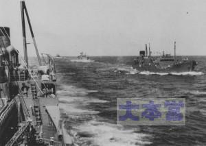 川崎型油槽船「極東丸」と僚船