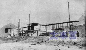 青島の海岸でモーリス・ファルマン水上機
