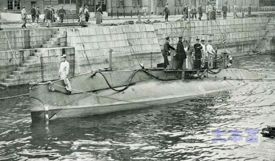 第一号潜水艇(ホランド型)