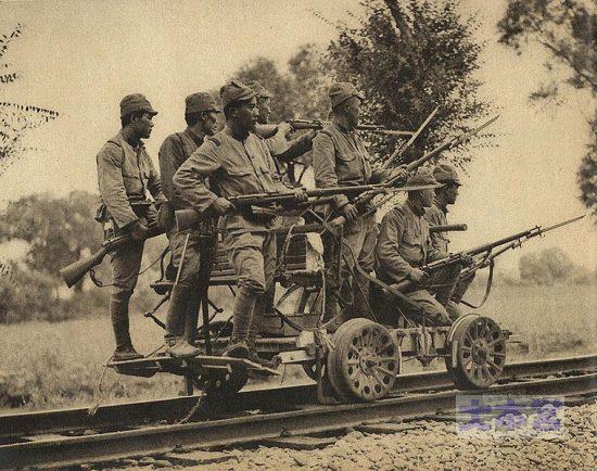 38式歩兵銃を持つ兵士たち