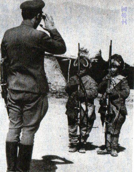 モンゴル軍幼年学校生徒と日本軍教官