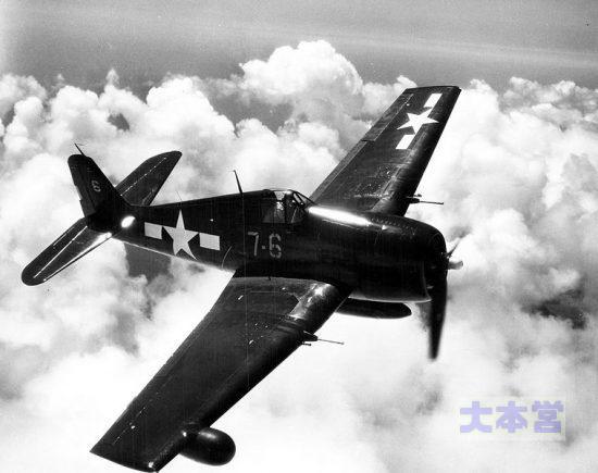 F6F-3N_1943撮影右翼のレドームに注意