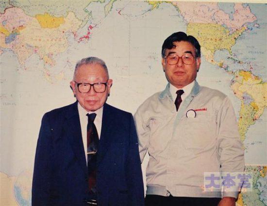 土井武夫(左)