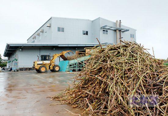 参考:沖縄小浜島の製糖工場
