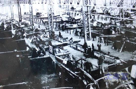 川西姫路工場の紫電生産ライン2