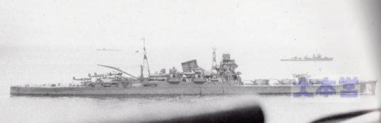 「筑摩」の同型艦「利根」