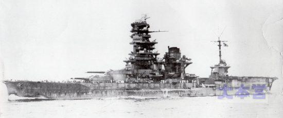 航空戦艦に改装の日向