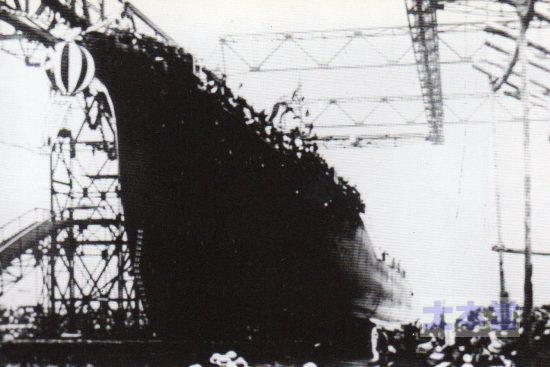 1927、9月初雪の進水式特型の進水写真はレア