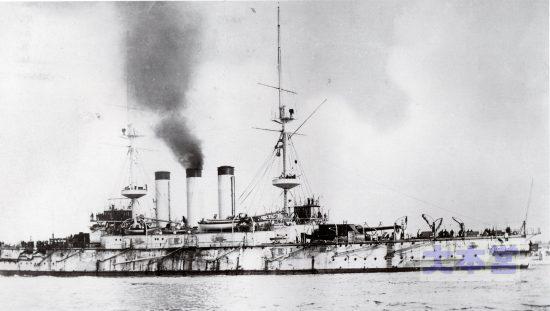 一等戦艦敷島黒い汚れは石炭搭載の跡