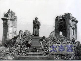 破壊されたドレスデン聖母教会