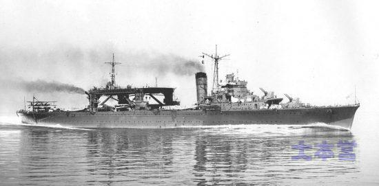 公試中の「千歳」水上機母艦(第一)状態