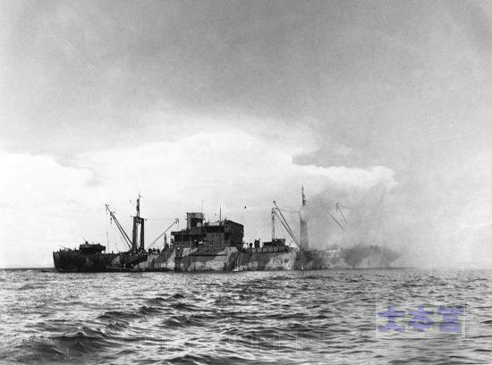甲標的に撃破された輸送船アルチバ