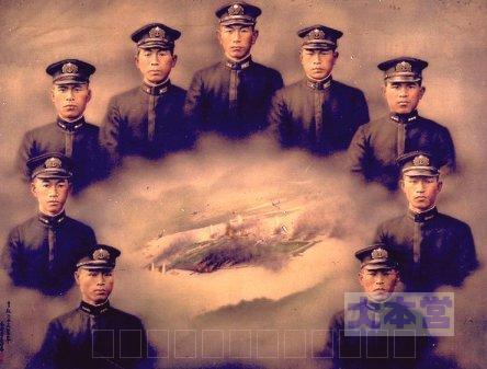 9軍神の油絵