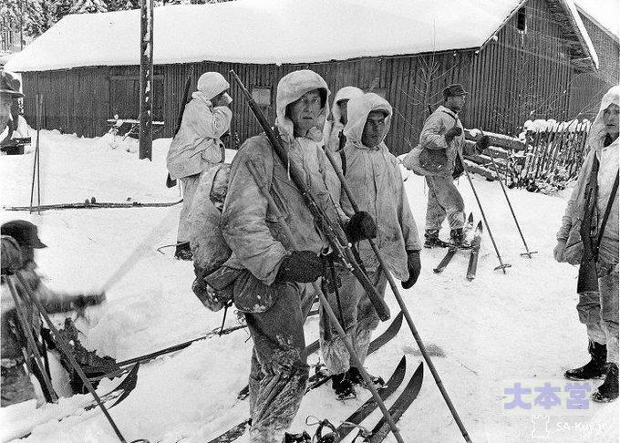 スキー部隊のストックは日本の竹