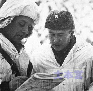 ヤルマル・フリドルフ・シーラスヴオ(右